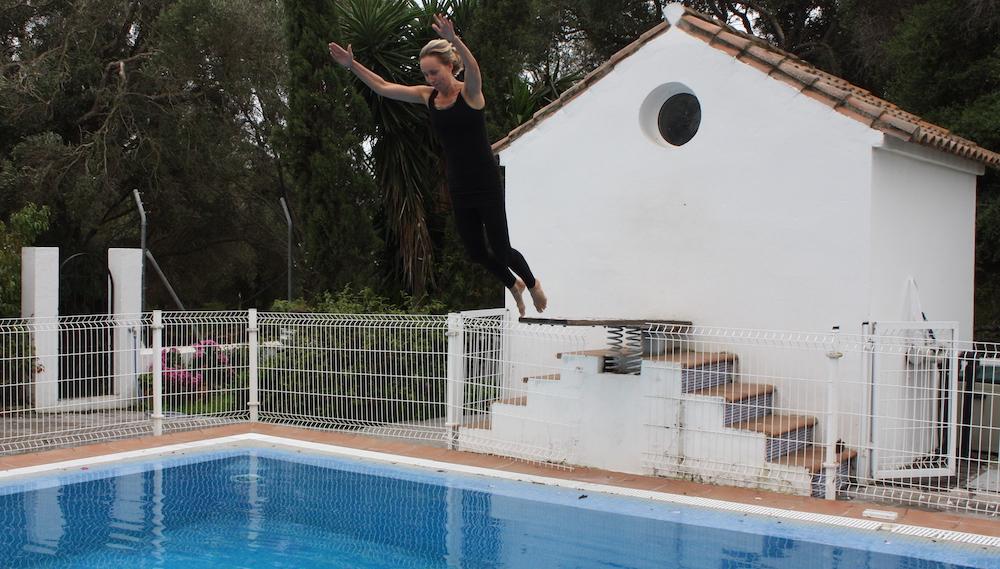Zwemmen met kleren